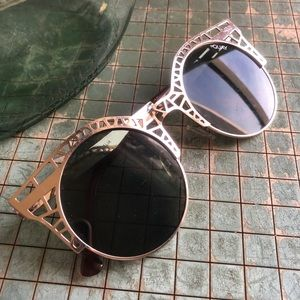 Accessories - Gold Rafters Shades